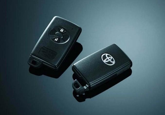 丰田霸道汽车钥匙, 发表评论 大名: email: 评论: 验证码: 请回答: 25